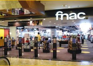 Les directeurs des magasins Fnac rappellent les clients insatisfaits.
